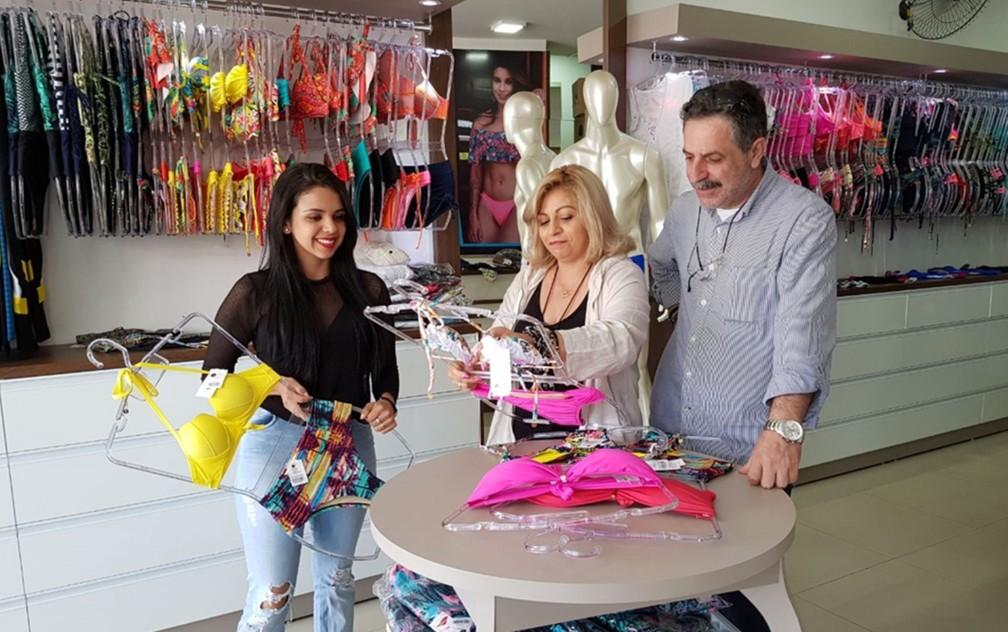 7f531a3de ... Brasileira e grego levam lingerie de Juruaia para país da Europa —  Foto  Arquivo Pessoal