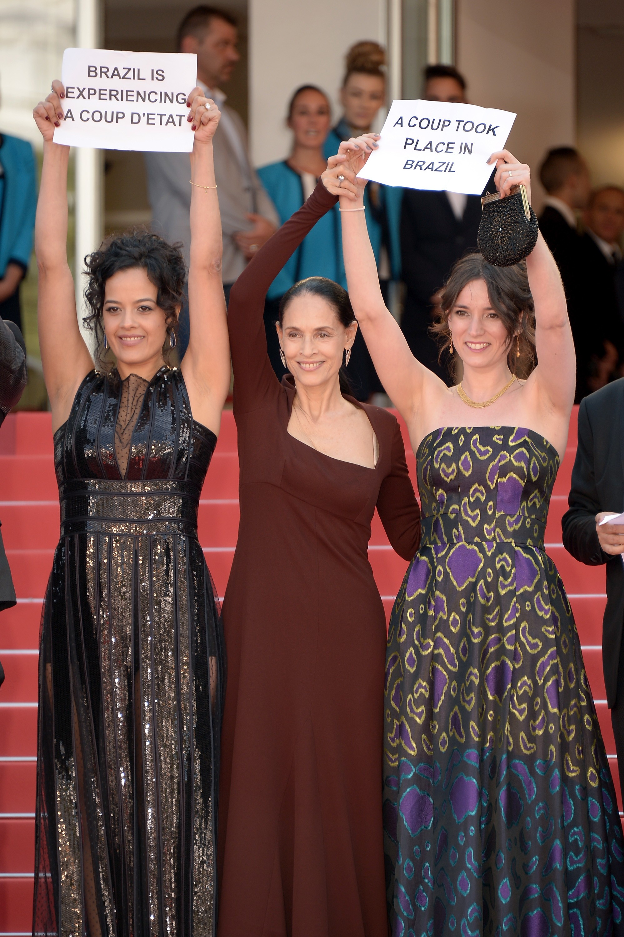 Sonia Braga e elenco de 'Aquarius' em Cannes (Foto: Getty Images)