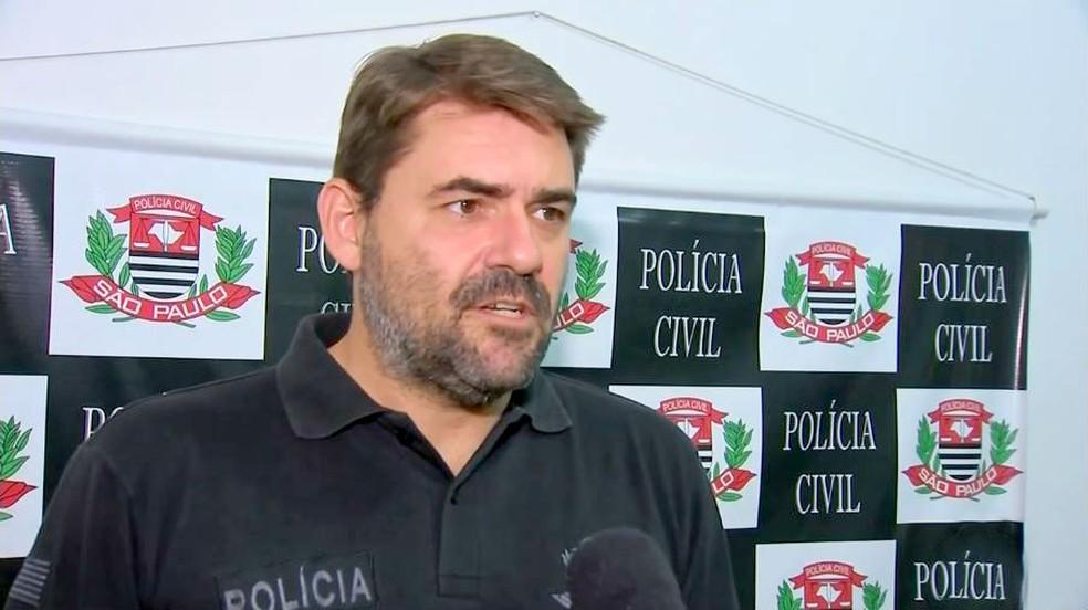 Segundo o delegado Giuliano Travain, dois dos suspeitos teria confessado o crime — Foto: TV TEM/Reprodução