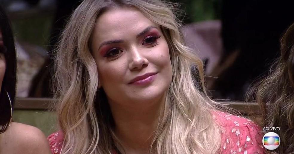 Marcela no 'BBB20' no anúncio de sua eliminação — Foto: Reprodução / TV Globo