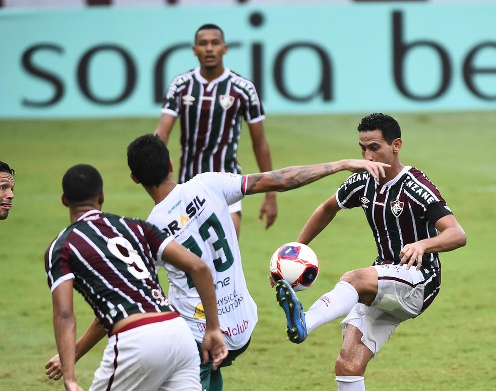 Ganso quase faz golaço em Fluminense x Portuguesa — Foto: André Durão