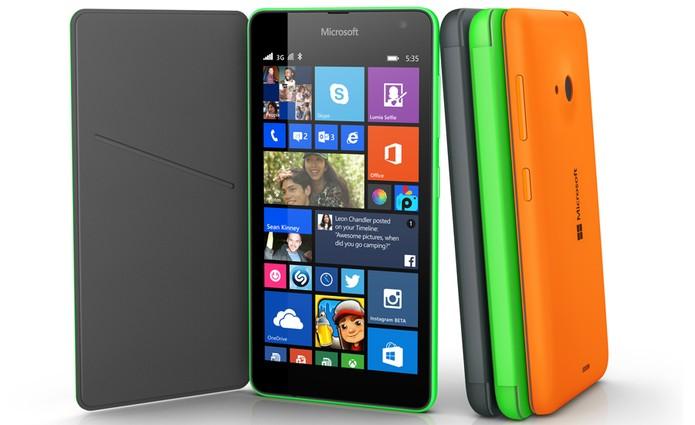 Lumia 535 aceita cartão de memória de até 128 GB (Foto: Divulgação/Microsoft)