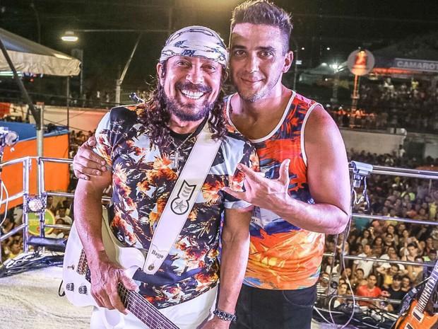 Bell recebe André Marques em trio durante carnaval de Salvador (Foto: Fábio Cunha / Assessoria de imprensa)