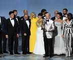 Ryan Murphy e a equipe e o elenco de 'American crime story' | Robyn Beck/AFP