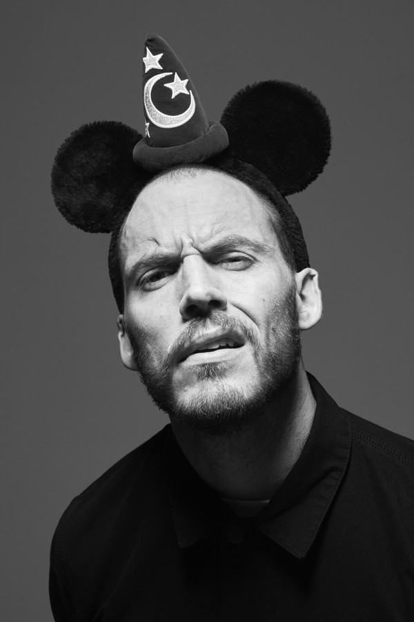 EMBARGOED UNTIL 1500, BST, WEDNESDAY 09 MAY 2018: Some of the world's most famous faces have come together to celebrate the 90th anniversary of Mickey Mouse this year and pay tribute to the cultural impact he has had on the world. Sam Claflin (pictured) i (Foto:  )