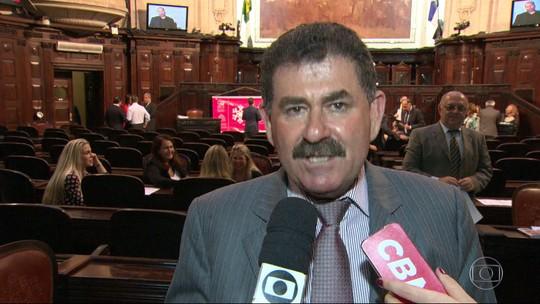 Bilhetes apreendidos pela PF mostram orientações para destruir provas contra Paulo Melo