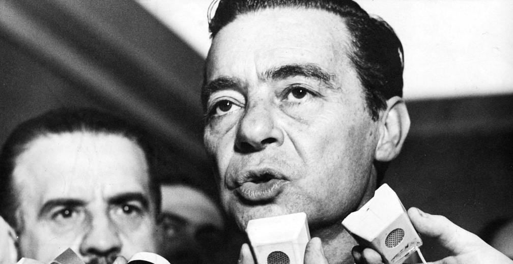 O presidente do Senado em 1964, Auro de Moura Andrade, convoca durante a madrugada sessão extraordinária no Congresso para oficializar o golpe — Foto: Arquivo/Estadão Conteúdo