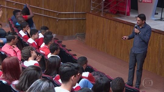Cerca de 15 mil alunos da Fiemg recebem treinamento sobre transição do sinal