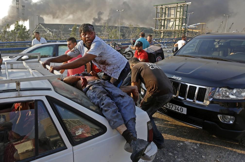 Feridos na explosão em Beirute — Foto: Marwan TAHTAH / AFP