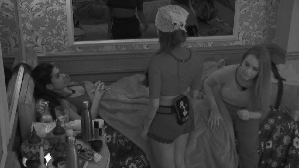 Pocah fala sobre imunidade, e Carla Diaz opina sobre a situação da sister no BBB21: 'Não te vejo como alvo' — Foto: Globo