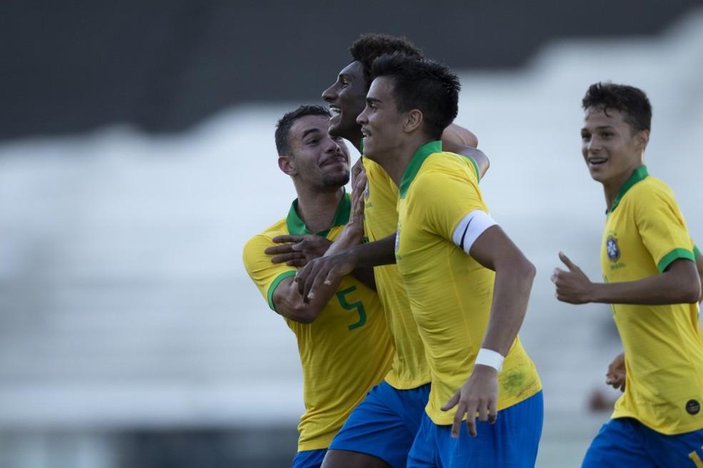 Reinier e Talles Magno estão na lista para Mundial — Foto: Thaís Fernandes/CBF
