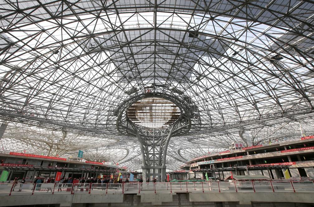 Mega-aeroporto é construído nos arredores de Pequim, na China (Foto: Reuters/Jason Lee)