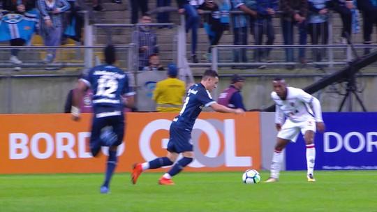 Atuação de Ronaldo contra o Grêmio reabre discussão sobre goleiro titular do Vitória
