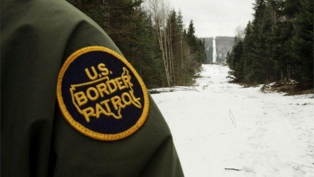 A fronteira entre os EUA e o Canadá está sob rigorosa vigilância pela patrulha da fronteira (Foto: Getty Images via BBC News Brasil)