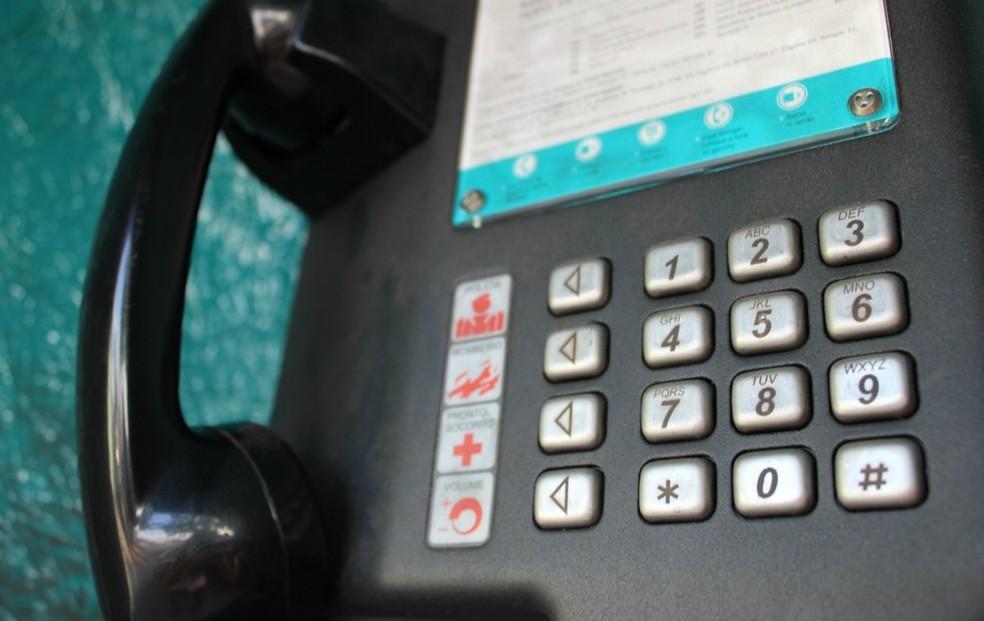 Oi não disponibiliza número de orelhões exigids pela Anatel no Ceará e em mais 11 estados. (Foto: Girlene Medeiros/G1 AM)