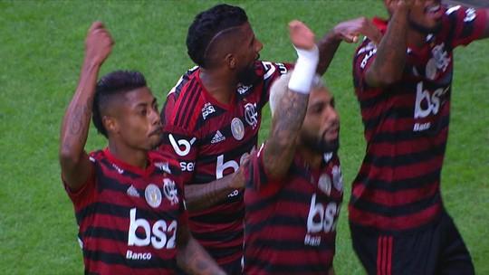 Os gols de Vasco 1 x 4 Flamengo pela 15ª rodada do Brasileirão