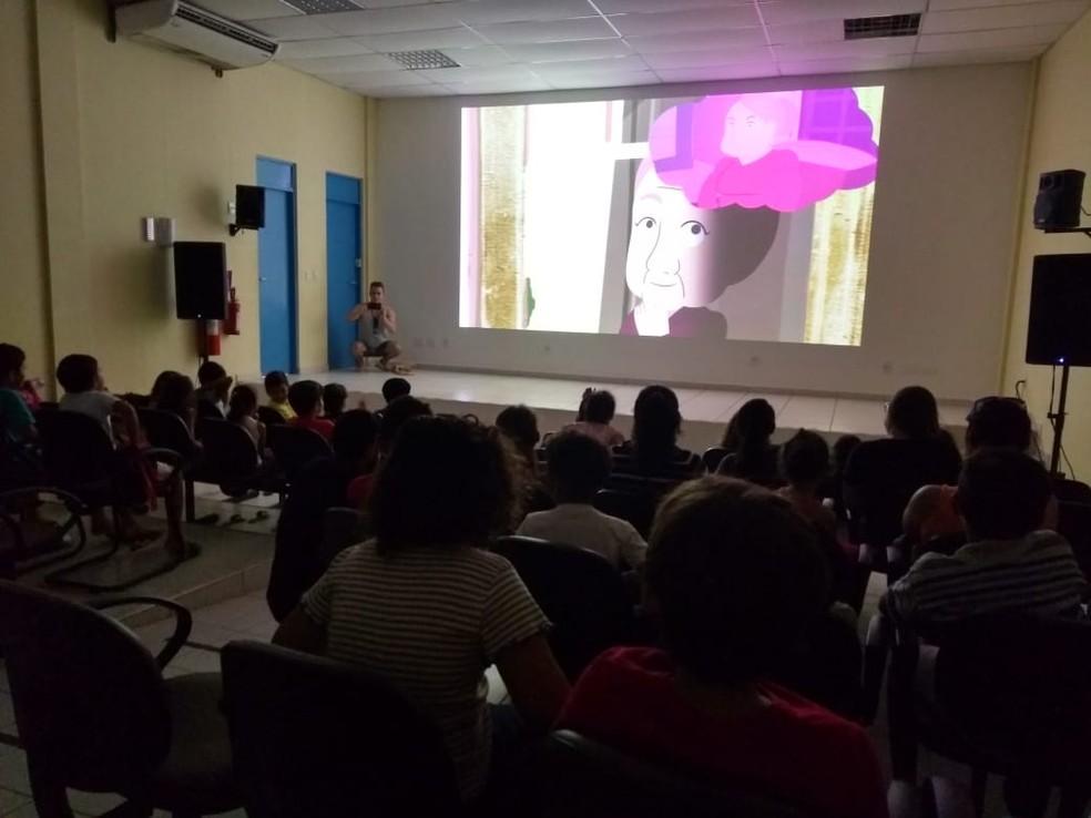 Mostra de Cinema de Gostoso exibe filmes infantis no Centro de Cultura — Foto: Rafael Barbosa/G1