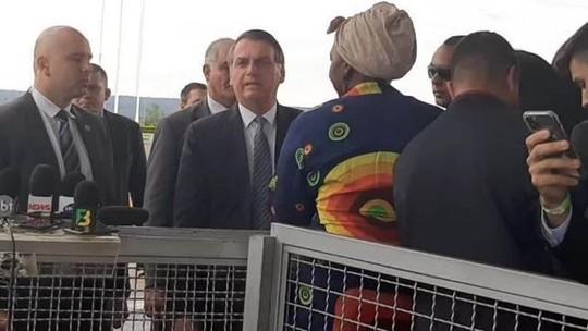 Bolsonaro defende texto que isenta militar de punição: 'Temos que prestigiar o policial'