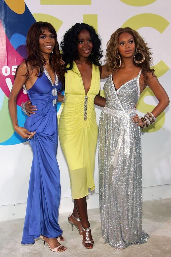 Beyoncé com suas colegas de Destiny`s Child no MTV VMA 2005 (Foto: Getty Images)