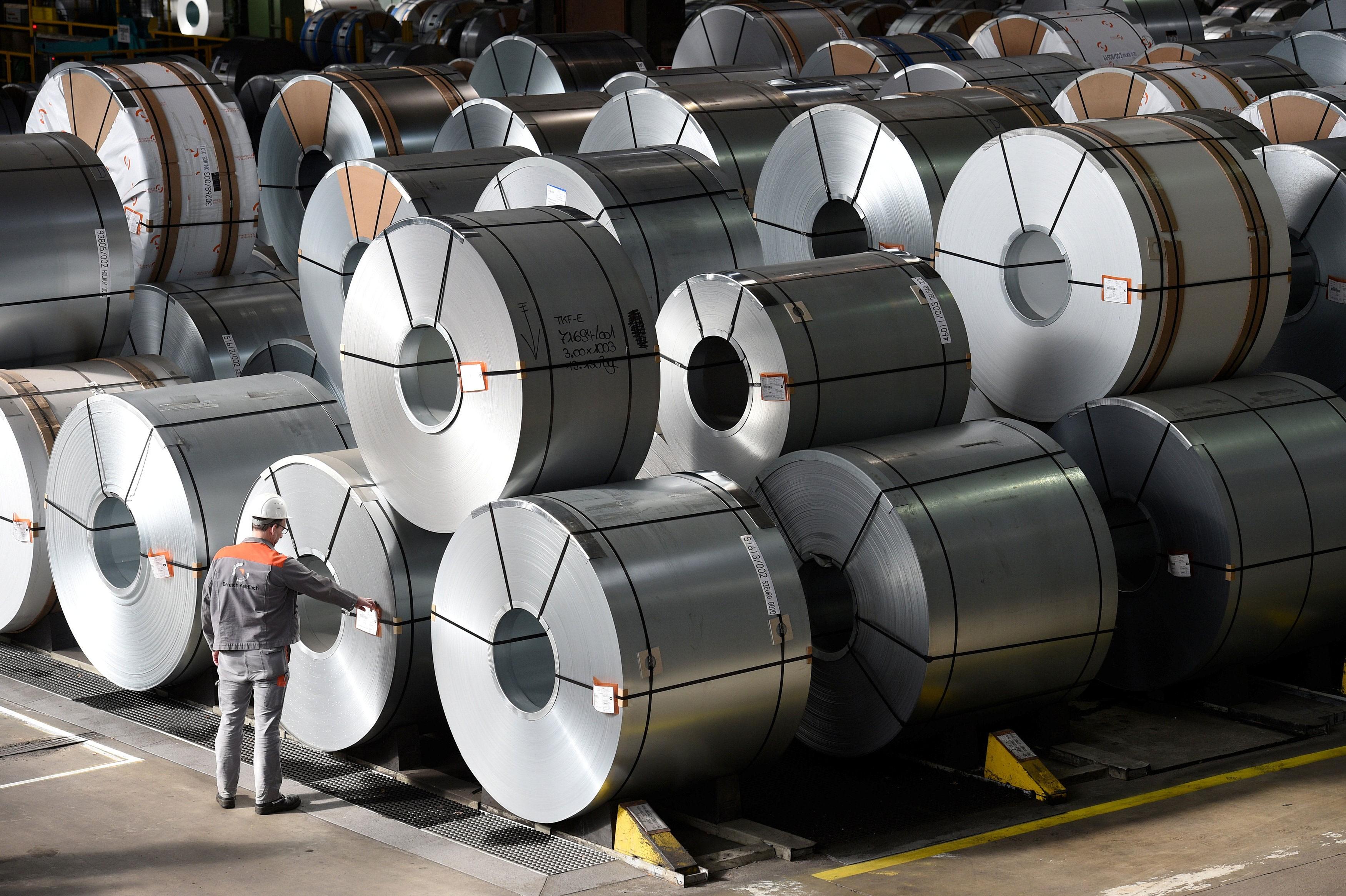 União Europeia decide limitar importação de aço até julho de 2021