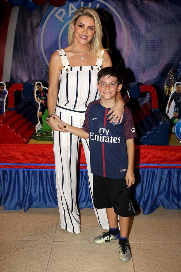 Mari Alexandre e o filho, Záion (Foto: Thiago Duran/AgNews)