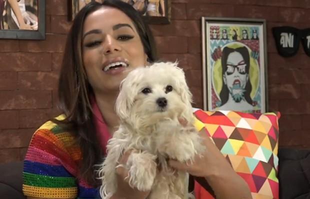 Anitta e seu cachorro, Serafim (Foto: Reprodução/Instagram)