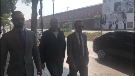 Sérgio Côrtes chega para depor na PF um dia após operação contra fraudes na Saúde do RJ