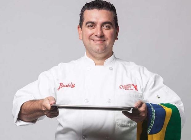O chef confeiteiro é um fenômeno ao redor do mundo devido ao reality show que mostrava os bolos gigantes produzidos pela Carlo's Backery (Foto: Instagram/ Reprodução)