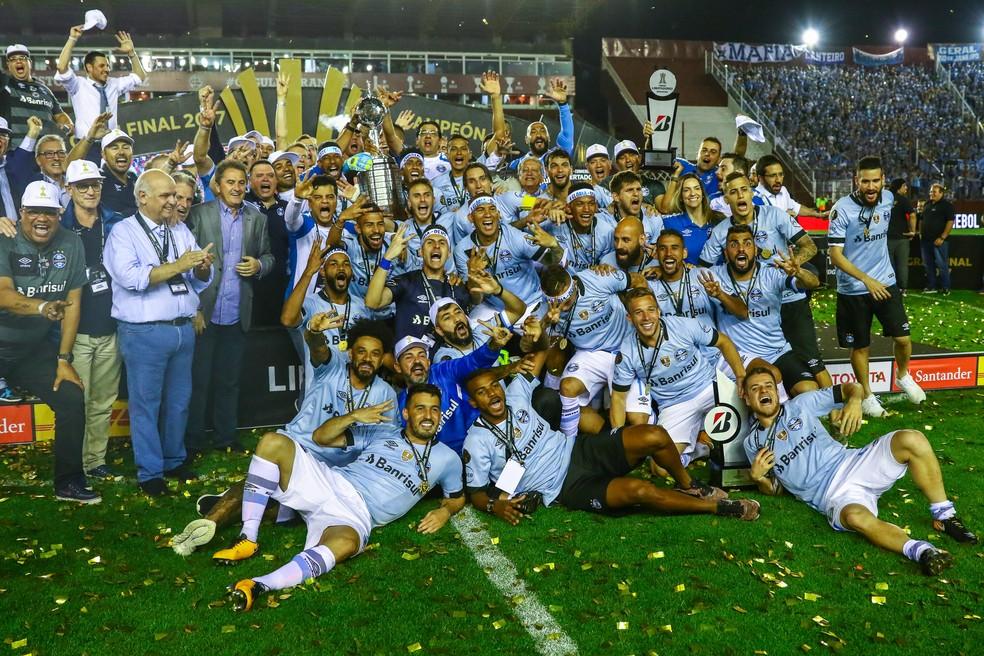 Time do Grêmio campeão da Libertadores de 2017 — Foto: Lucas Uebel / Grêmio F.B.P.A.