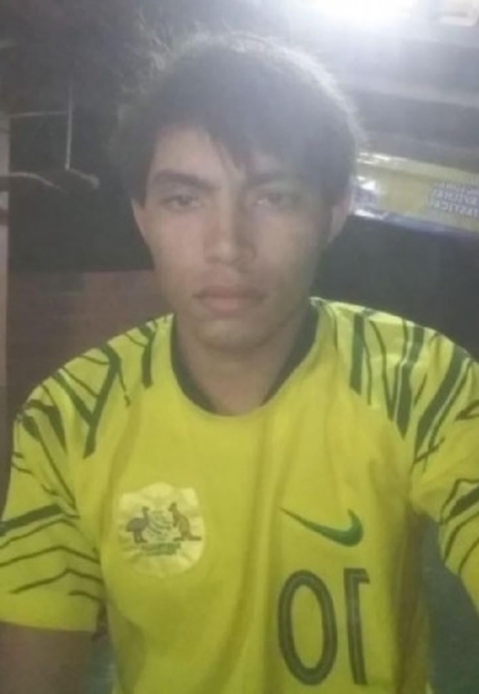 Hamilton Cesar Lima Bandeira, de 23 anos, foi morto por policiais por estar fazendo ameaças e apologia ao crime.  — Foto: Arquivo pessoal