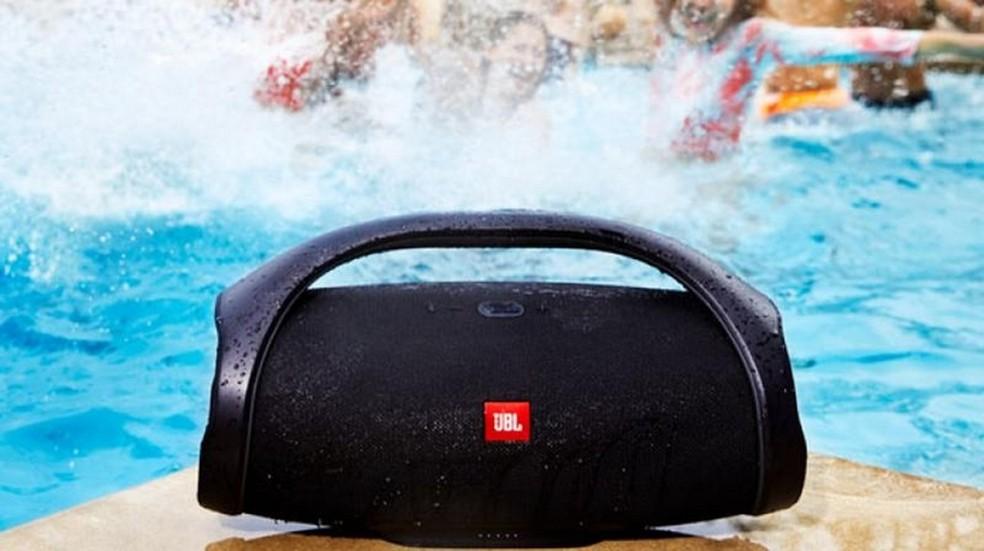 JBL Boombox: caixa de som Bluetooth tem som potente e preço alto — Foto: Divulgação/JBL