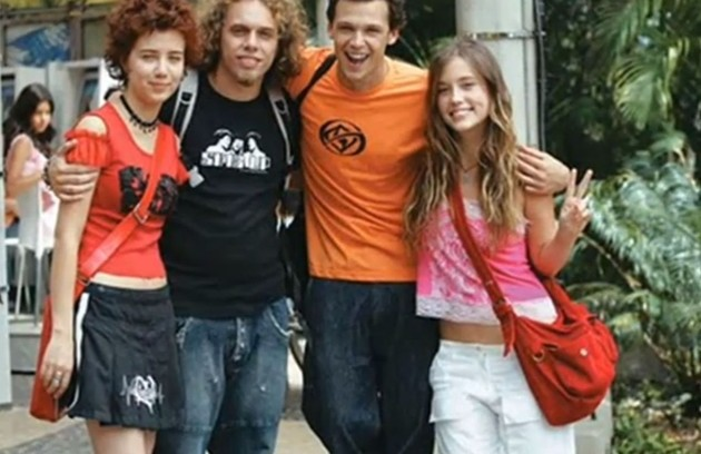 Marjorie Estiano (Natasha), João Velho (Catacra), Guilherme Beringher (Gustavo) e Juliana Didone (Letícia) em 2004 (Foto: Reprodução da internet)