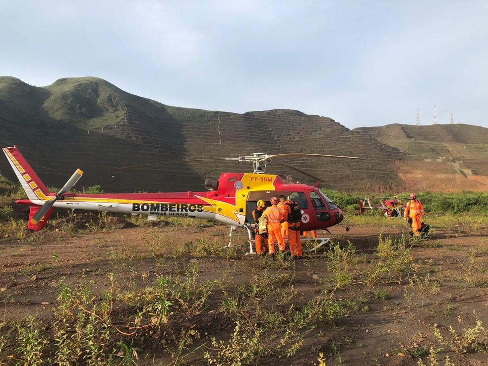Bombeiros que atuavam na busca por desaparecidos da tragédia da Vale se mobilizaram na tentativa de resgate do operário — Foto: Corpo de Bombeiros/Divulgação