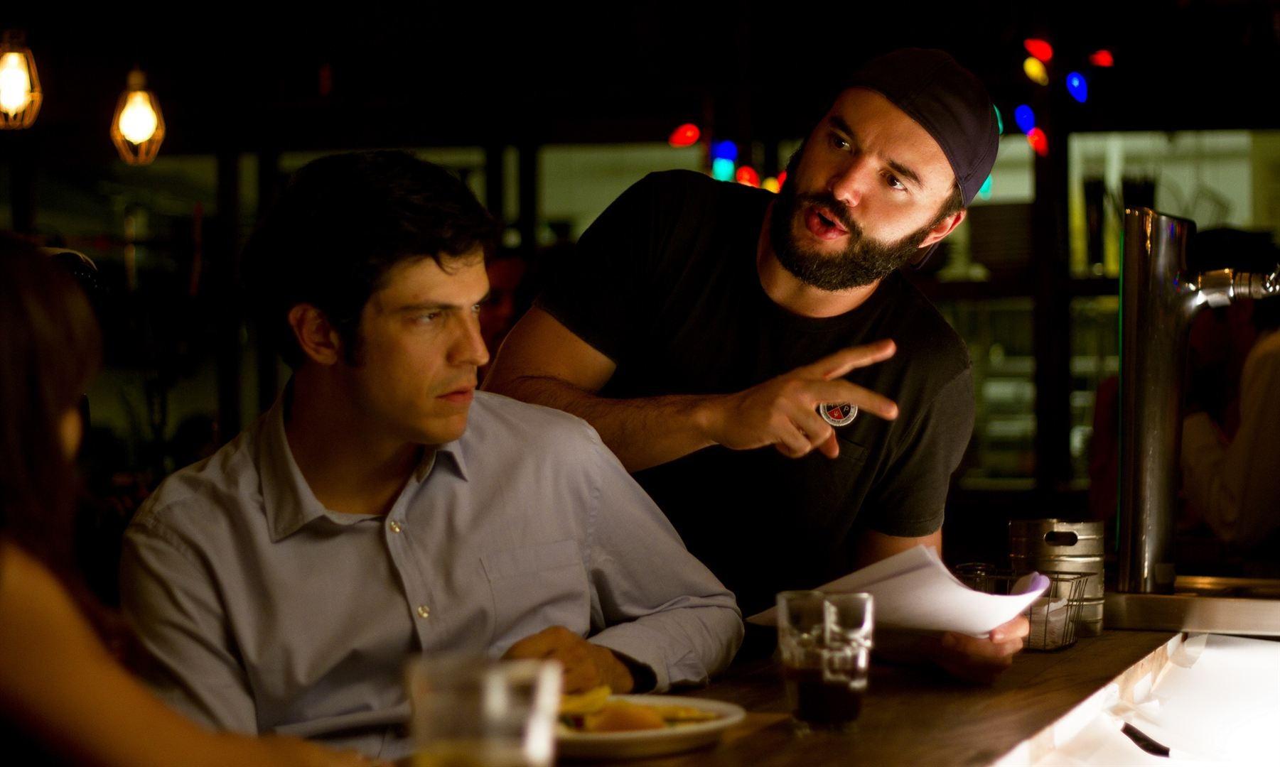 Mateus Solano e o diretor Rodrigo Bernardo nas gravações de Talvez um História de Amor (Foto: divulgação)