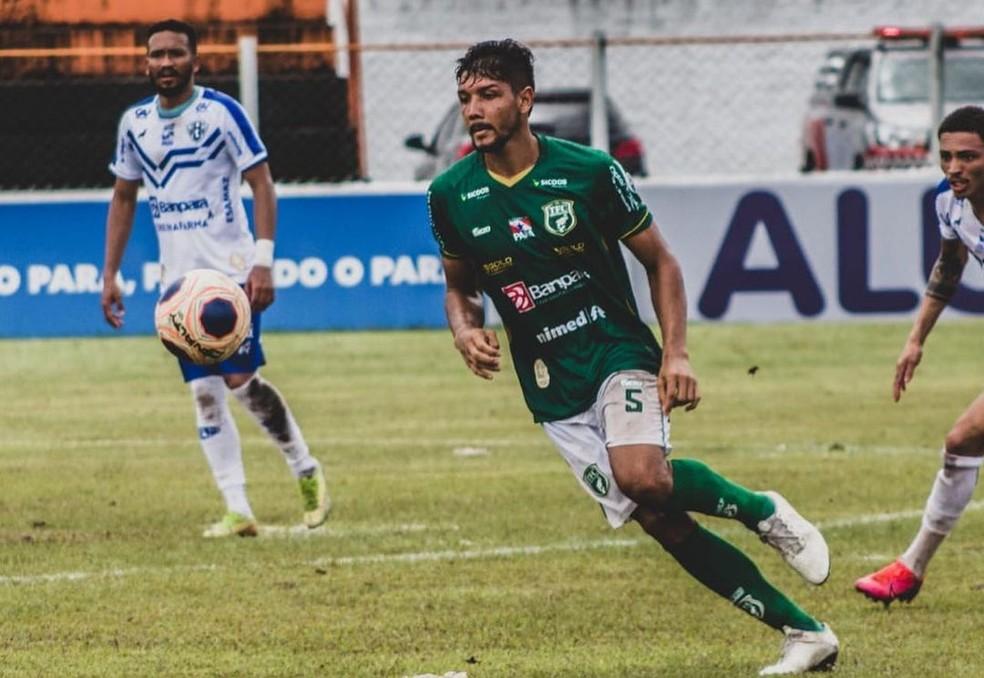 Paulo Curuá tem três gols no Parazão e é o artilheiro do Tapajós — Foto: Matheus Vieira