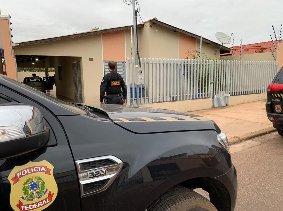 PF deflagra operação contra esquema de tráfico internacional de drogas e munições por meio do transporte rodoviário — Foto: PF/MT