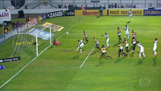 Hyuri consegue perder gol sem goleiro e entra para o Inacreditável F.C.