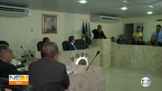 Vereadores votam impeachment do prefeito de Camaragibe