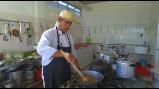 É do Pará te ensina a fazer a famosa mujica de sarnambi de Algodoal