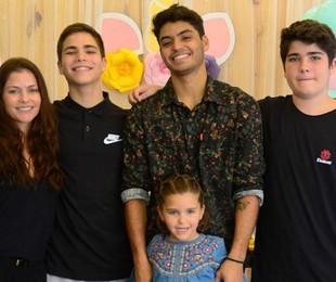 Ana Paula Tabalipa com os filhos   Arquivo pessoal