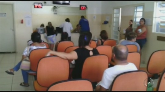 Paciente flagra aparelhos de ar-condicionado sem uso na farmácia municipal de Araçatuba