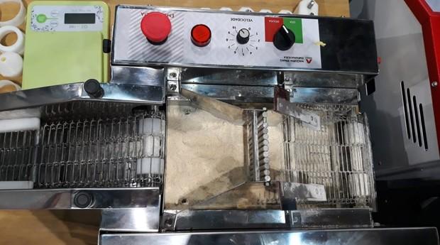 Máquina de coxinha da Rimaq   (Foto: Sabrina Bezerra )