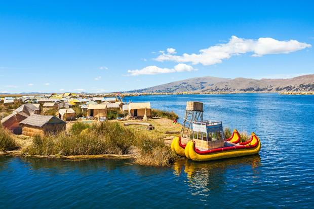 Uros floating island near Puno city, Peru (Foto: Getty Images/iStockphoto)