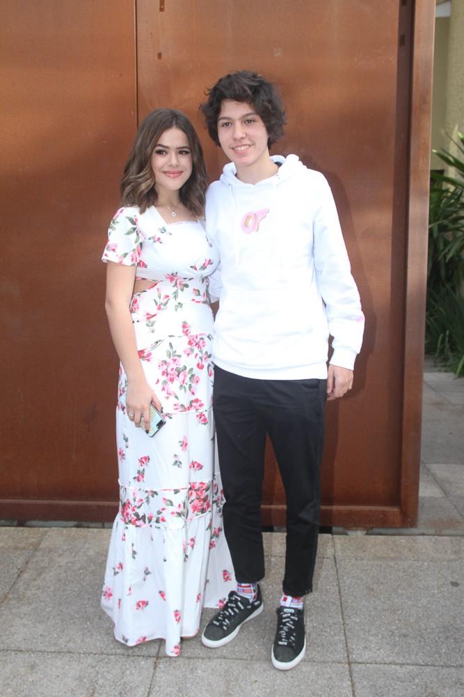 Maísa e namorado (Foto: Amauri Nehn/Brazil News)