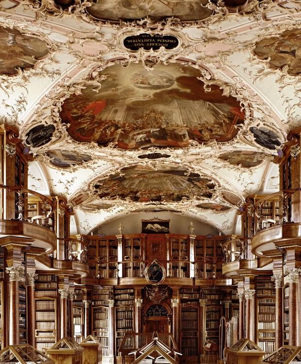 Biblioteca Sankt Gallen,em St. Gallen, Suíça (Foto: Massimo Listri/ Taschen/ Reprodução)