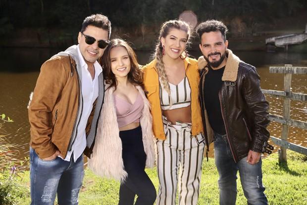Zezé Di Camargo e Luciano com Larissa Manoela e Lorena Improta (Foto: Manuela Scarpa/Brazil News)