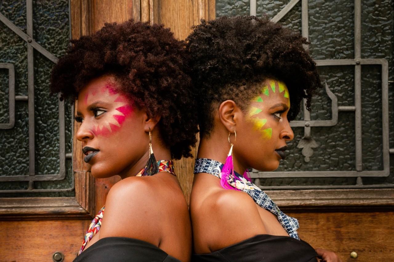 Maquiagens dão mais cor e alegria ao carnaval; profissionais de Juiz de Fora dão dicas para evitar riscos e alergias