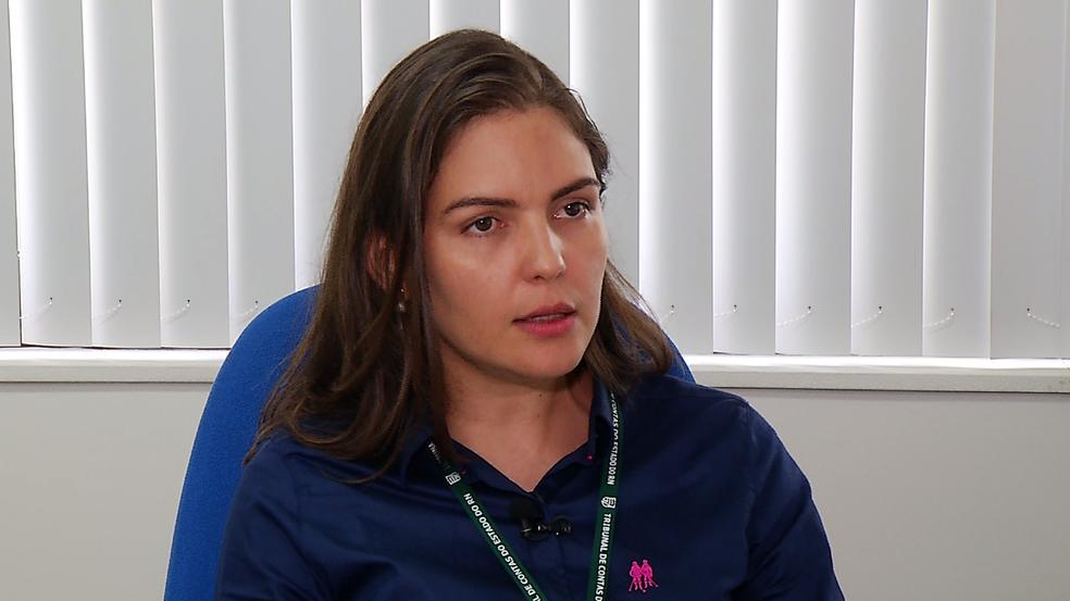 Anne Carvalho, do TCE, afirma que empresa é suspeita de desvios de R$ 1,5 milhão no Idema (Foto: Reprodução/Inter TV Cabugi)