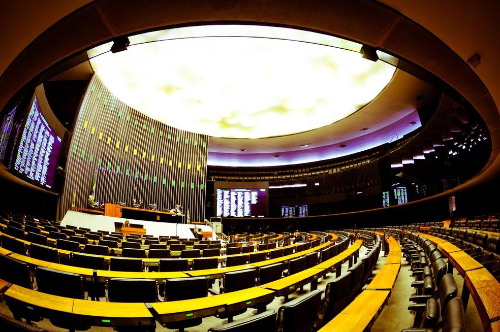 Posse dos deputados federais acontece nesta sexta-feira (1º), em sessão no Plenário Ulysses Guimarães — Foto: Saulo Cruz/Câmara Federal