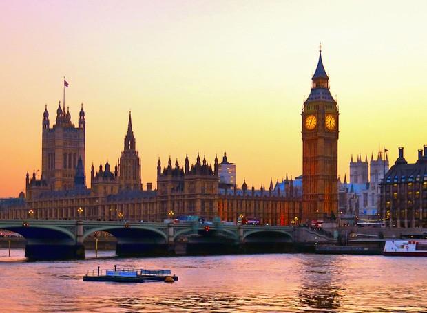 Pôr do sol no Parlamento Britânico (Foto: Shutterstock/ Reprodução)